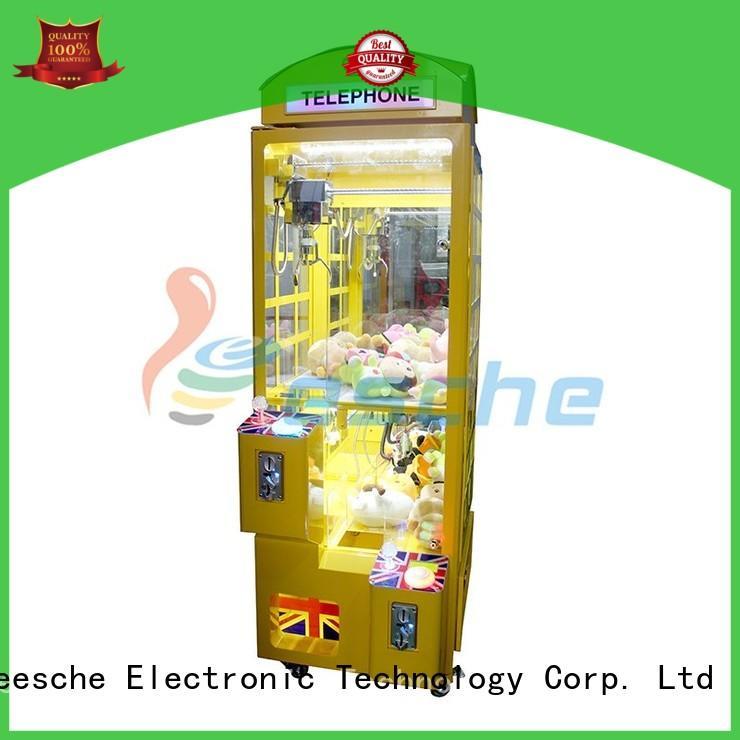Leesche OEM crane machine inspiring your imagination in the park