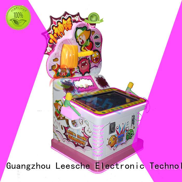 Custom dance arcade machine crane Leesche