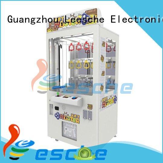 arcade machine vending the claw machine Leesche