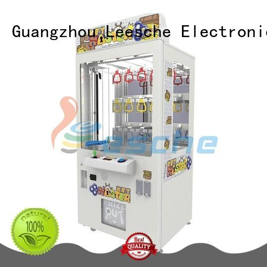 Leesche high quality the claw machine game with lock in the park