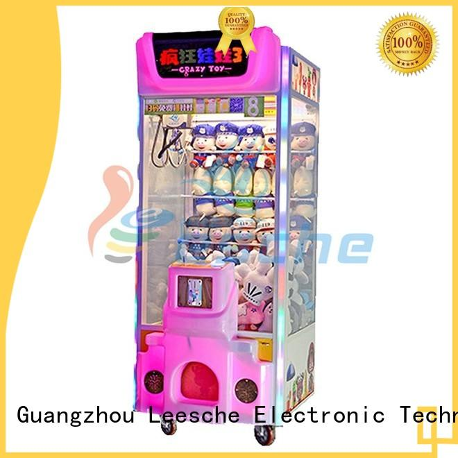 Leesche Brand hit operated claw arcade game