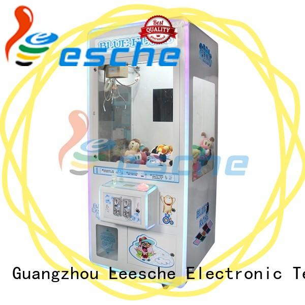 Leesche acceptor arcade games claw machine inspiring your imagination on the street
